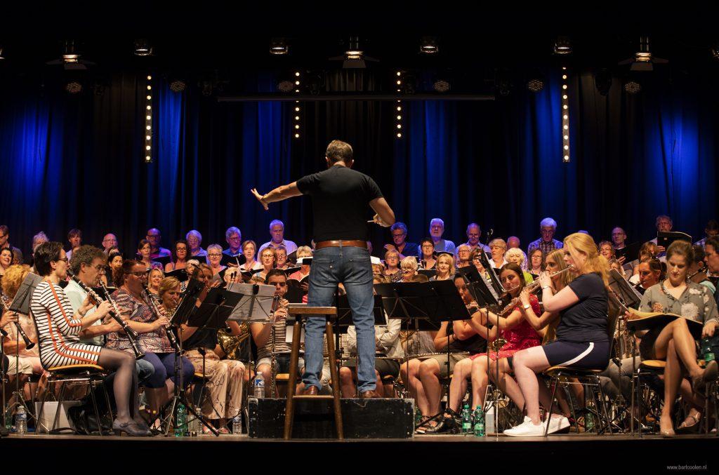 Carmina Burana: Pittig, meeslepend muziekspektakel